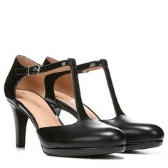 Look snazzy and sophisticated with the Mattison pumps from Naturalizer. Fab Shoes, Crazy Shoes, Your Shoes, Cute Shoes, Shoes Heels, Teacher Shoes, Teacher Outfits, Oxford Shoes Outfit, 5 Inch Heels