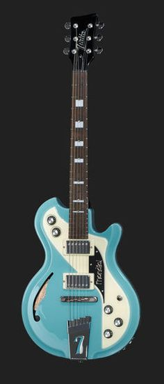 Italia Guitars Mondial Classic Guitar Blue - 729 € en Thomann