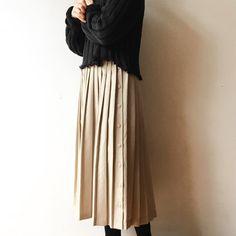 いいね!9件、コメント1件 ― P A L E T O W Nさん(@paletown)のInstagramアカウント: 「1960s linen pleats skirt」