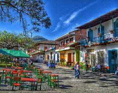 Jardín Antioquia Colombian Cities, Colombian Culture, Aesthetic Desktop Wallpaper, Iphone Wallpaper, Places To Travel, Places To Visit, Amazing Destinations, South America, Landscape Design