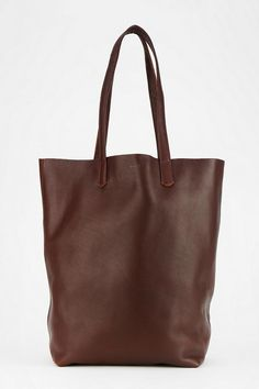 An absolute staple: buttery soft leather tote bag from BAGGU in seven perfect colors. #urbanoutfitters