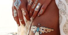 Metallic Flash Tattoos Are Set to Become a Gorgeous Summer Beauty Trend - My Modern Met