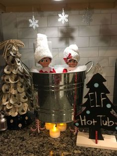 Creative Elf On The Shelf Ideas Christmas is upon us and so is the Elf On The Shelf tradition! If you need some ideas on where to hide your elf this year, well come to the right place. a list of over 70 creative Elf On The Shelf ideas for your family … Christmas Activities, Christmas Traditions, Christmas Elf, All Things Christmas, Christmas 2019, Awesome Elf On The Shelf Ideas, Der Elf, Elf Auf Dem Regal, Elf Magic