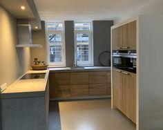 Koak Design makes real oak doors for IKEA kitchen cabinets. Koak + IKEA = your design! Ikea Kitchen Cabinets, Kitchen Doors, Kitchen Shelves, Kitchen Appliances, Kitchens, Living Room Scandinavian, Armoire Ikea, Narrow Kitchen, Architecture