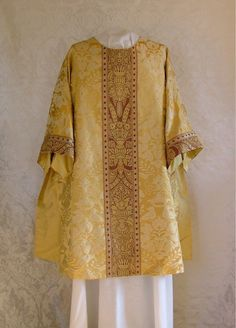 St Thomas tunicle.  One of three tunicles for altar servers for St Thomas Church Fifth Avenue, NY in gold silk damask with cloth-of-gold orphreys.