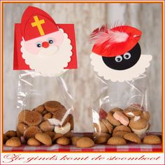 kittys craft: Boekje 7 komt er aan .... Sinterklaas traktatie zwarte piet traktatie punch art 5 december Christmas Crafts For Kids, Christmas Projects, Punch Art, Candy Buffet, Hobbit, Art For Kids, Stampin Up, Arts And Crafts, Santa