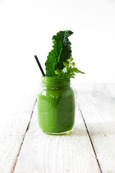 Green Kiwi Kale Smoothie  From the Inspired Smoothies ebook - free from www.swoonfood.com