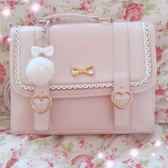 For the majority of ladies getting an authentic designer handbag is just not something to hurry straight into. Because they bags can certainly be so costly ladies typically worry… Handbags On Sale, Luxury Handbags, Purses And Handbags, Cheap Handbags, Designer Handbags, 2017 Handbags, Gucci Designer, Popular Handbags, Handbags Online