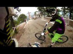 Wow :D Down Hill Taxco 2012 recorrido de Mauricio Taka Acuña y  Brendan Fairclough