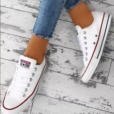 Chuck Taylor Converse All Star Cream Trainers Converse All Star, White Converse Outfits, Pink Converse, Converse Chuck Taylor All Star, Chuck Taylor Sneakers, Custom Converse, All Star Shoes, Converse Style, Converse Sneakers