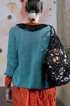 Daniela Gregis at Milan Fashion Week Spring 2019 Daniela Gregis at Milan Fashion Week Spring 2019 - Details Runway Photos History of Knitting Wool spinning, weaving and . Knitwear Fashion, Knit Fashion, Fashion Art, Fashion Design, Knitting Wool, Hand Knitting, Knit Basket, Milan Fashion Weeks, Knitted Bags