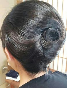 Rolled Hair, Roll Hairstyle, Beautiful Long Hair, Hair Dos, Updos, Hairstyles, Japan, Long Hair Styles, Sexy