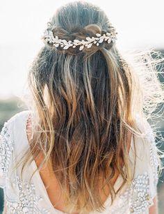 Ethereal Sunset Cliffs Bridal Inspiration | Wedding Sparrow | Sally Pinera Photography