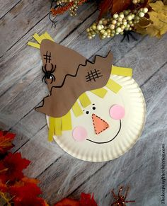 carterie, pergamano et tableaux - Page 7 Paper Plate Scarecrow - The Keeper of the Cheerios Arts And Crafts For Teens, Art And Craft Videos, Crafts For Seniors, Paper Plate Crafts, Craft Stick Crafts, Fun Crafts, Paper Plates, Summer Crafts, Decor Crafts