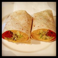 Vegan: wrap mit Hummus und Avocado