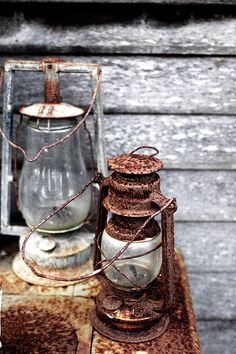 Country LIving, weathered gray and rust. Old Lanterns, Vintage Lanterns, Classic Lanterns, Deco Restaurant, Photo Deco, Lighthouse Keeper, Lantern Lamp, Oil Lamps, Old Things