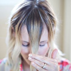 How to cut your own bangs! Cut Side Bangs, How To Cut Bangs, Cut Own Hair, How To Cut Your Own Hair, Hairstyles With Bangs, Diy Hairstyles, Trim Bangs, Langer Pony, Bangs Tutorial
