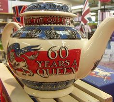 A teapot for the Queen's Diamond Jubilee from Emma Bridgewater via Print and Pattern blog