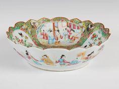 Bowl em porcelana Chinesa de Cantao, Familia Rosa, do sec.19th, 27cm de diametro, 1,300 USD / 1,160 EUROS / 4,060 REAIS / 8,620 CHINESE YUAN