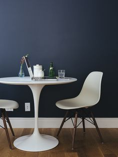 idea for kitchen table and chairs. i def want the chairs but i might do a hairpin table. it's debatable.