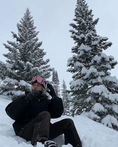Baby Winter, Winter Snow, Winter Christmas, Christmas Tree, Mode Au Ski, Chalet Girl, Tmblr Girl, Ft Tumblr, Diy Foto