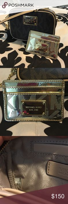Michael Kors CrossBody Purse & Wallet Great condition light scratches on hard wear see pic 4  ******READ****BEFORE****PURCHASING****       ️⭐️NO HOLDS ⭐️NO FREE SHIPPING ⭐️NO TRA!DING ⭐️No Lowballs  Items comes from a smoking home but pet free home  I ship USPS only same day or next business day  Thanks Michael Kors Bags Crossbody Bags