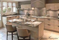 23 veces he visto estas serenas cocinas grandes modernas. Kitchen Interior, Kitchen Remodel, Open Plan Kitchen, Kitchen Room Design, Kitchen Dining Room, Kitchen Diner, Home Kitchens, Kitchen Dinning, Kitchen Design