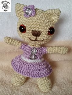 FONAL ANYUK: Amigurumi cica Hello Kitty, Crochet Hats, Character, Art, Amigurumi, Knitting Hats, Art Background, Kunst, Performing Arts
