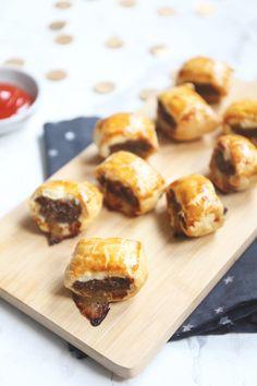 Mini saucijzenbroodjes - Lekker en Simpel English Food, High Tea, Finger Foods, Love Food, Appetizer Recipes, Tapas, Healthy Snacks, Foodies, Barbecue