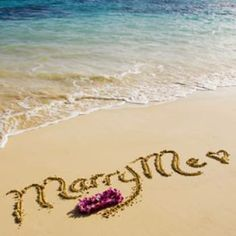 marriage proposal : Marry me = JPN. Beach Proposal, Romantic Proposal, Perfect Proposal, Proposal Ideas, Surprise Proposal, Romantic Beach, Romantic Getaway, Wedding Proposals, Marriage Proposals