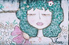 """""""Sonhar é acordar-se para dentro."""" Do meu poeta preferido da vida Mario Quintana  Grafite lindo de Bauru! #domingo #bomdia #grafite #arte #bauru"""