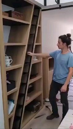 Home Stairs Design, Home Room Design, Tiny House Design, Home Interior Design, Tiny House Stairs, Tiny House Living, Loft Stairs, Space Saving Furniture, Diy Furniture