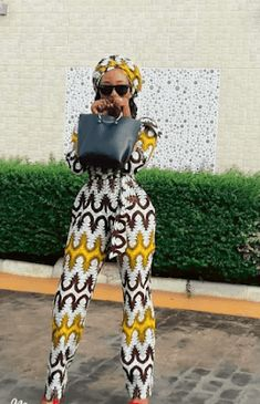 The African print didn't continually have an amazing background, there are Latest Ankara Styles 2018 From Mama Africa Ladies. Pretty Outfits, Cool Outfits, Fashion Outfits, Style Fashion, Womens Fashion, Fashion Decor, Pretty Clothes, African Wear, African Dress