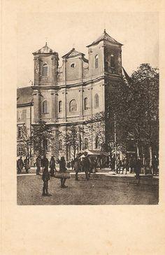 Kostel Križovníkov (názov 1920) Bratislava, Barcelona Cathedral, Arch, Louvre, Times, Travel, Longbow, Viajes, Destinations