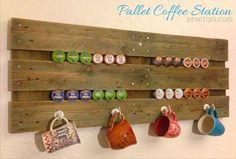 Bora tomar uma... xícara de café? Tem cantinhos do café inspiradores no blog hoje. Link na bio. Imagem não autoral #inspirações #cantinhodocafe #supraciclagem #upcycling