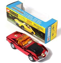 Corgi Toys 300 Corvette Stingray with Golden Jacks removable wheels. Pic. credit www.Qualitydiecasttoys.com