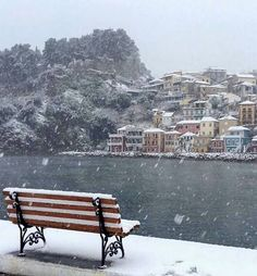 🇬🇷 Snowing in Parga, Epirus region, Greece Snow In Greece, Beautiful Islands, Beautiful Places, Places In Greece, Greek Beauty, Holiday Places, Landscape Pictures, Nature Images, Ancient Greece