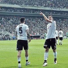 An itibariyle Beşiktaş! Fark 5 Puan  #Beşiktaş #1903 #Bjk #Beşiktaşk #Besiktas #Besiktask #Çarşı