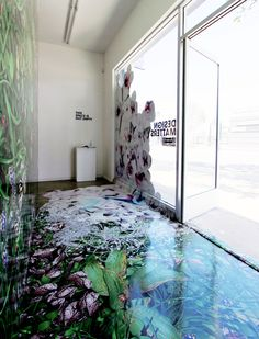 Floor Graphics Heating Up In The Printing Industry Floor Graphics, Window Graphics, Environmental Graphics, Environmental Design, Vitrine Design, Champagne Bar, Retail Interior, Visual Merchandising, Interior Design Inspiration