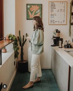 Would rather be at but instead, here's a casual look I wore to one of my favorite coffee shops in Portland last week ☁️☕️ swipe over… Rich Kids, Everyday Fashion, Casual Looks, Passion For Fashion, Fashion Outfits, Style Fashion, Fashion Ideas, Casual Outfits, Style Me