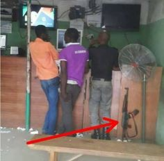 A2satBlog: Lol: Nigerian Police Officer Neglects His Rifle On...
