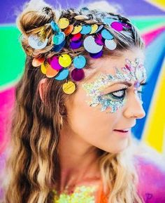 10 Cheap Festival Makeup Essentials - UK - You don't have to go broke this festival season! Here are our picks for cheap festival makeup! Festival Outfits, Festival Fashion, Concert Outfits, Diy Carnaval, Rave Hair, Rave Makeup, Makeup Kit, Makeup Products, Beauty Products