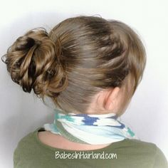 The perfect messy bun from BabesInHairland.com #messybun #bun #hairstyle #hair