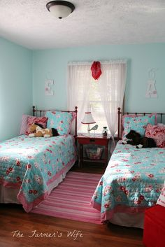 """Super cute turquoise and red """"Country style"""" kids' bedroom makeover - but with good ideas for adults, too!"""
