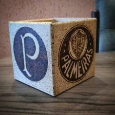Trabalho feito em pirografia, símbolos Palmeiras