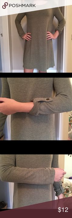 green long sleeve dress This is a soft material olive green dress that is great for fall! I have never worn this dress and it is new with tags! I got it as a gift and I just have too many similar items which is why I decided to sell it! You can do the sleeves in different ways as you will see in the pictures. Derek Heart Dresses Long Sleeve