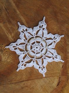 Sněhová vločka / Zboží prodejce U bludičky – horgolás – Crochet 2020 Crochet Snowflake Pattern, Crochet Stars, Crochet Snowflakes, Crochet Doily Patterns, Crochet Doilies, Crochet Flowers, Thread Crochet, Christmas Crochet Blanket, Crochet Christmas Decorations
