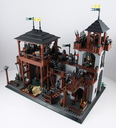 LCC - Masons Guild - - New Fortifications Lego Pirate Ship, Lego Kingdoms, Lego Village, Classic Lego, Amazing Lego Creations, Lego Builder, Lego Mechs, Scotland Castles, Lego Design