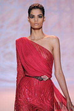Zuhair Murad Fall-winter 2014-2015 - Couture - http://www.flip-zone.net/fashion/couture-1/fashion-houses/zuhair-murad-4817 - ©PixelFormula