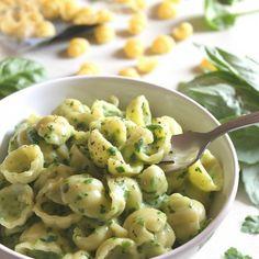 pesto macaroni and cheese. Oh man. This looks SO good!